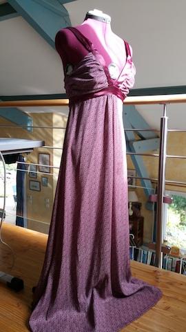 Réaliser soi-même une robe bustier en satin