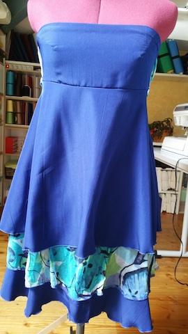Coudre une robe bustier avec jupe à volants