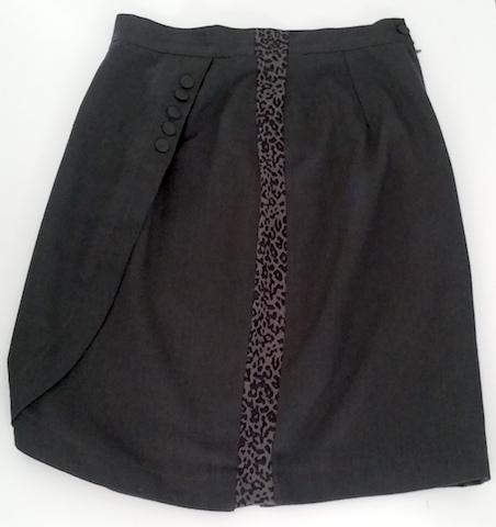 Agrandir une jupe avec ceinture par les côtés