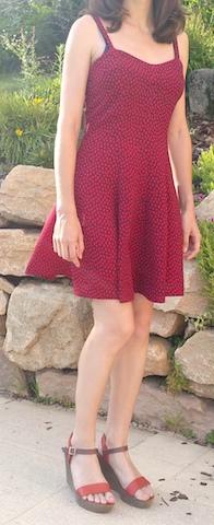 Coudre une robe à fines bretelles