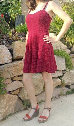 coudre une robe avec fines bretelles
