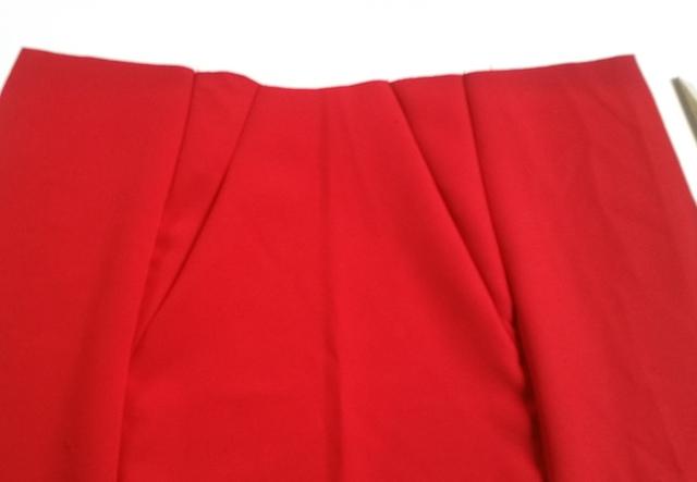 Assemblage du devant de la jupe
