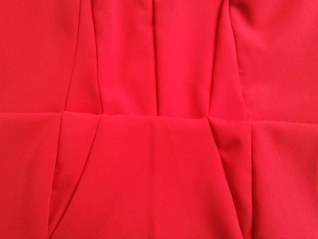 Alignement des coutures entre le haut et la jupe