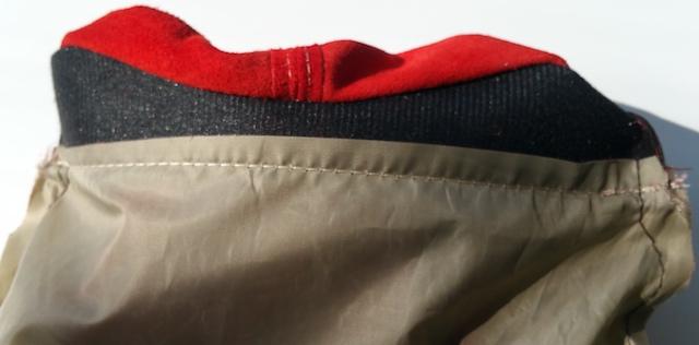 Surfilez la doublure au niveau de la couture d'assemblage avec le haut du sac