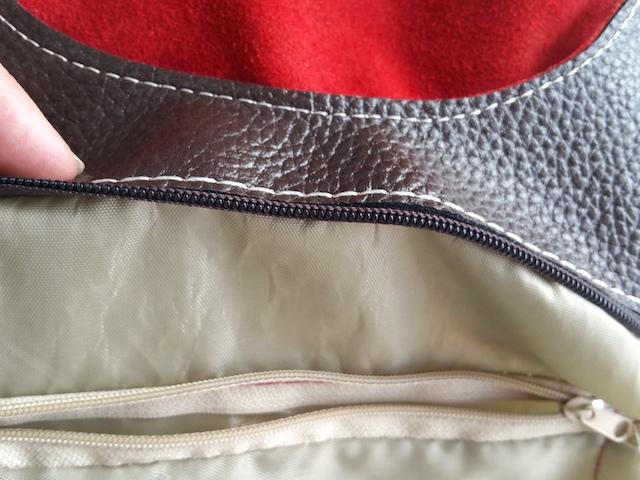 Surfiler la doublure d'un sac à main